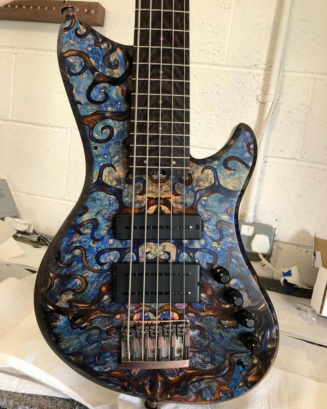 electric guitars 1734 electricguitars Bass guitar