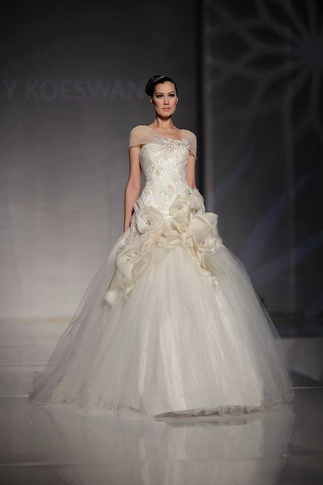 Wedding gown #wedding #bride