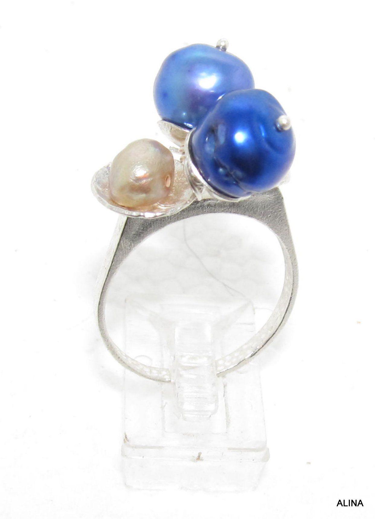 ANILLO de ALINA MARTÍNEZ PERDOMO, con perlas de agua dulce