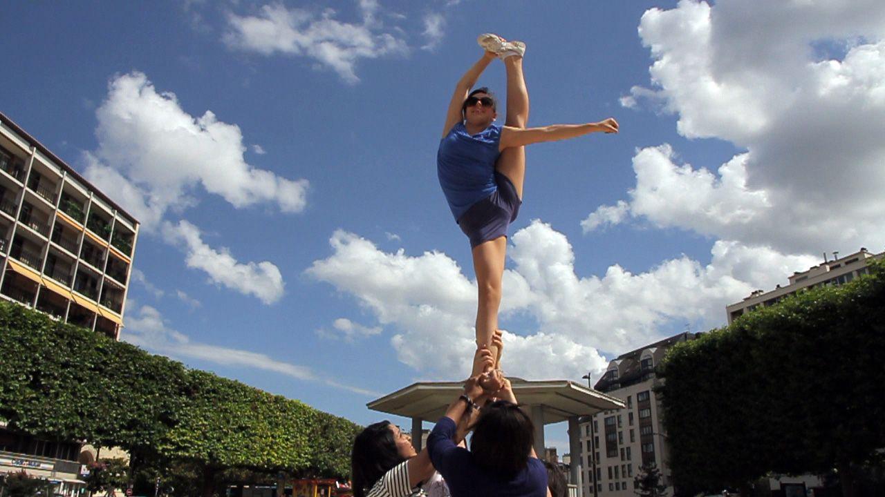 #Cheerleading. Figure : Bow and arrow. | Cheer, Volleyball ...