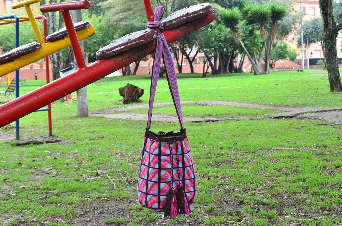 WAYUU BAG – Medium-Sized Mochila. Handwoven by a woman from the Wayuu Tribe. Brown & Squares. AVAILABLE AT www.colombiart.co