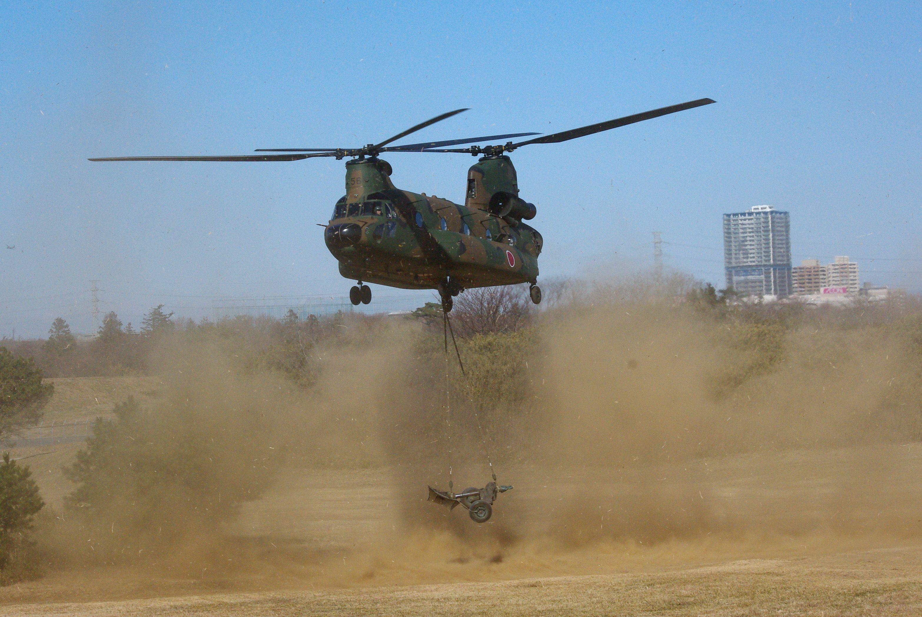 Elicottero Ch : Ch solleva mortaio thompson mm elicotteri e affini