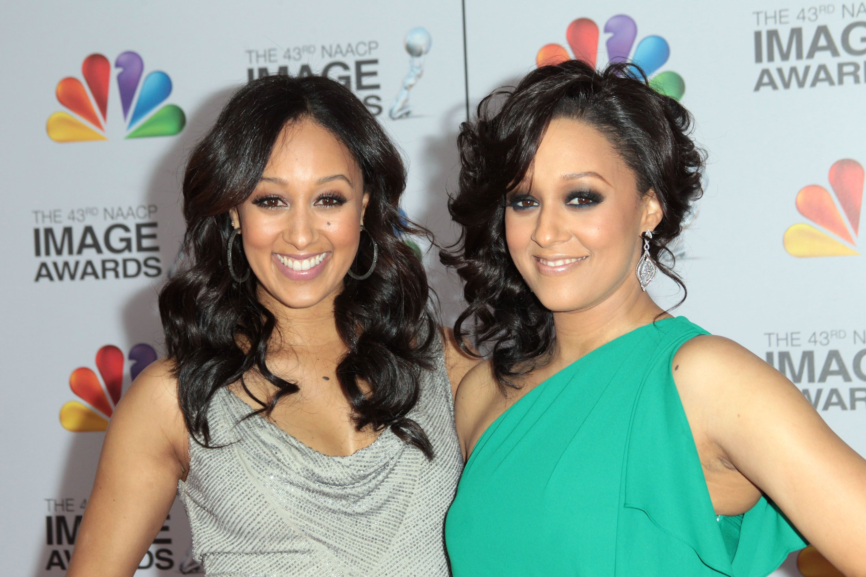 45 facts about tia & tamera   celebrity families   pinterest
