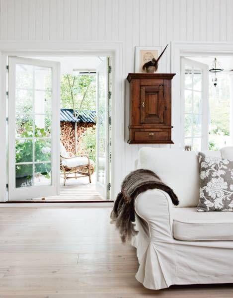 Scandinavian Country Style Interior Design Digsdigs Country Style Interiors Country House Interior Scandinavian Interior Design