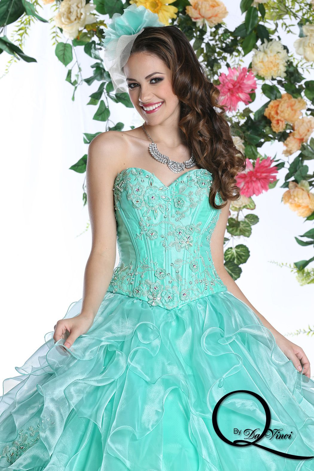 Sweet and chic Q by Davinci style 80255 featuring hermoso Shimmer Organza  in colors Mint, Turquoise, Cerise!