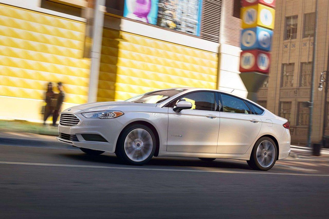 Fusion Titanium In White Platinum Metallic Tri Coat Auto
