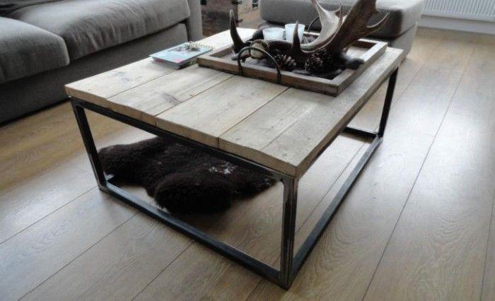 Stoere industri u00eble salontafel met stalen frame en steigerhout  Interesse?   Woonkamer   Pinterest