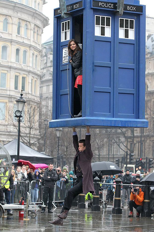 Taking off the TARDIS in Trafalgar Square Doctor who