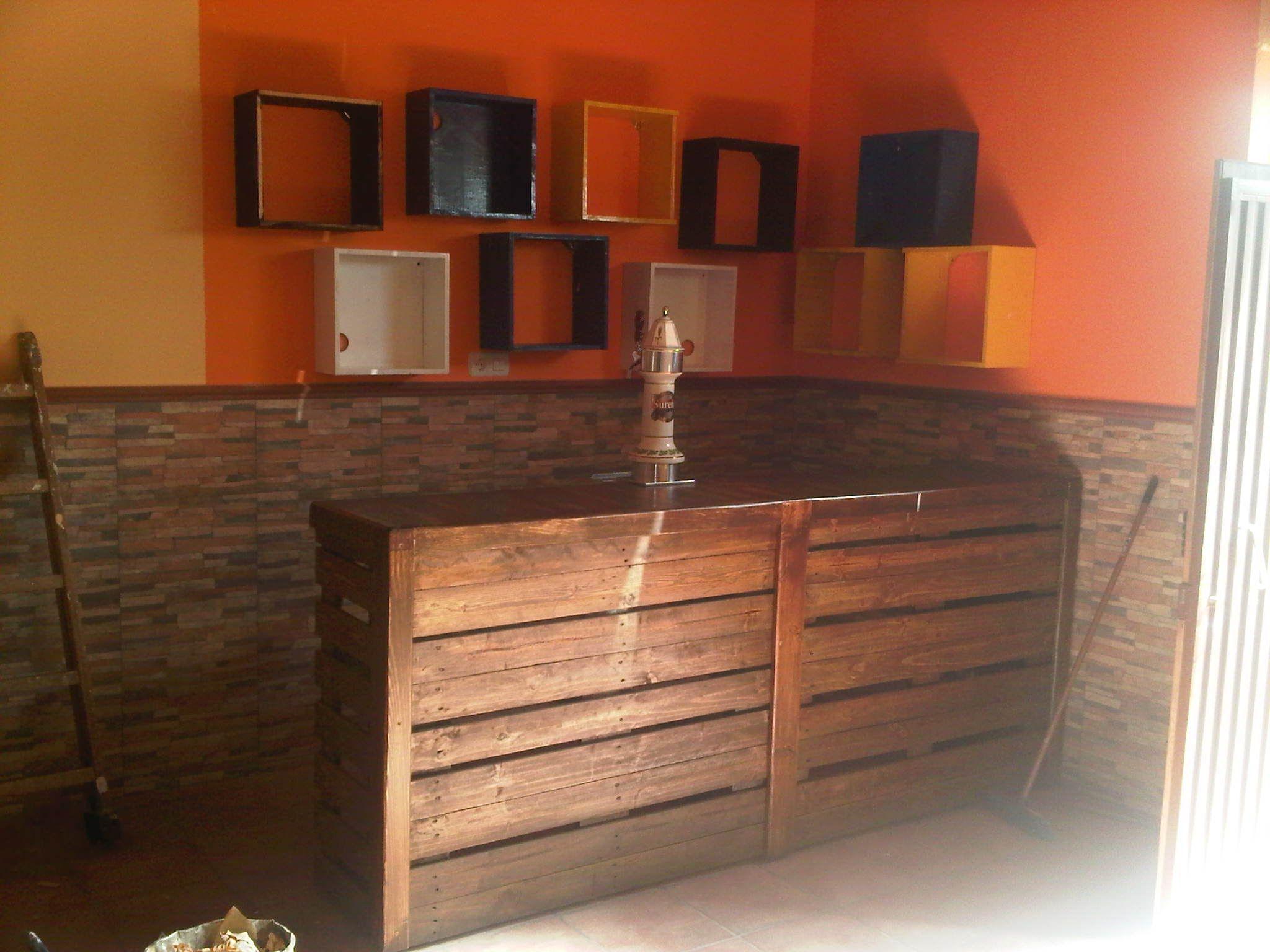 Mueble bar hecho con pales estantes e balc es bar - Muebles para bar ...
