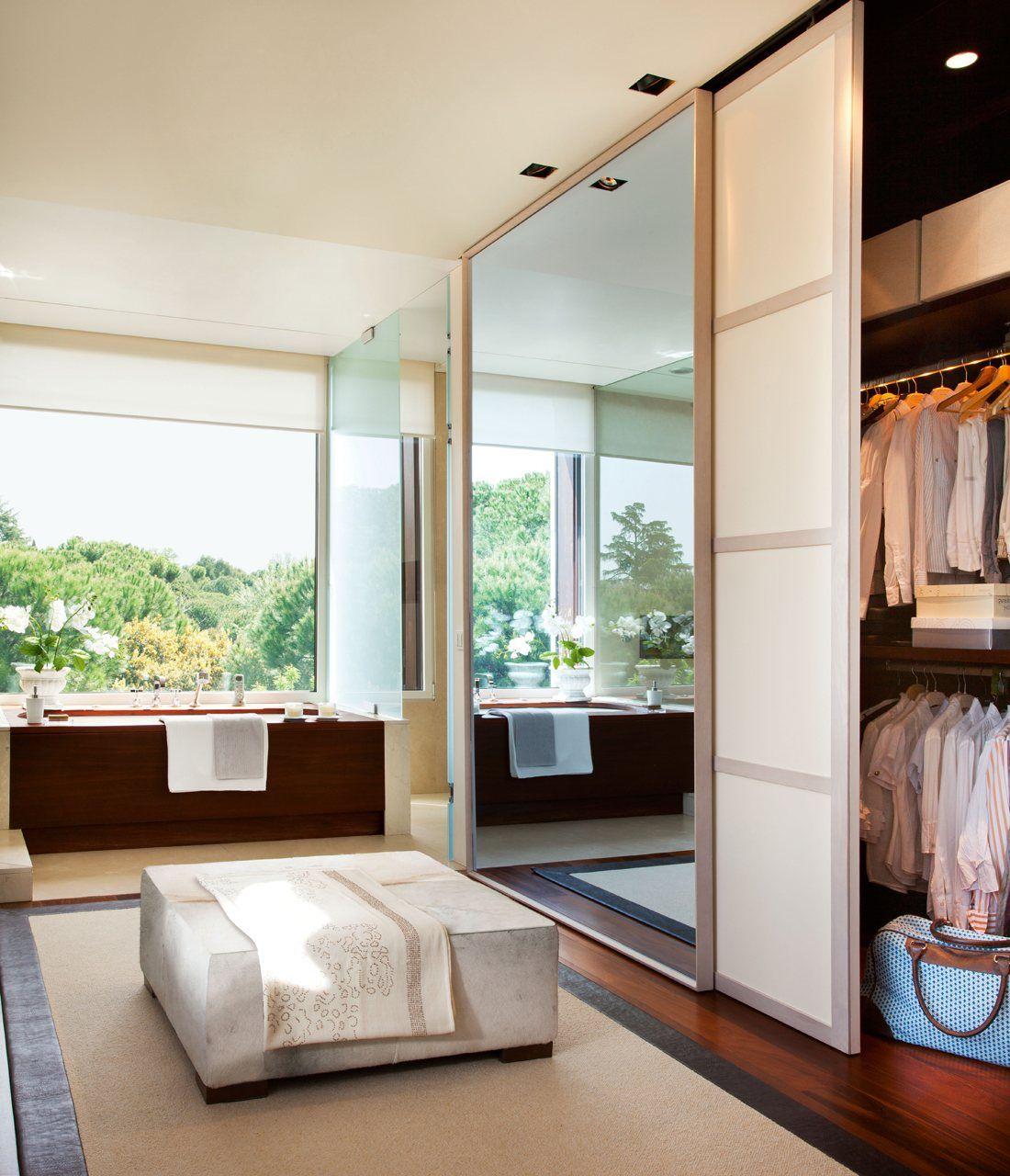 Un baño amplio y muy versátil con vestidor (con imágenes ...