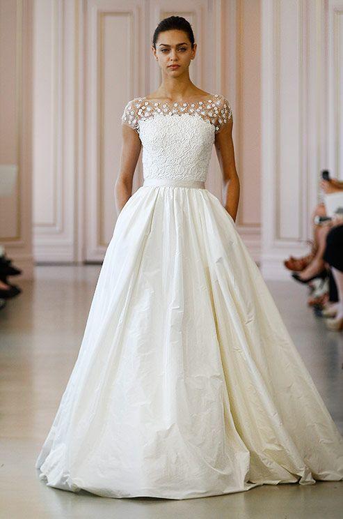 A beautiful a line oscar de la renta wedding dress with illusion a beautiful a line oscar de la renta wedding dress with illusion neckline junglespirit Choice Image
