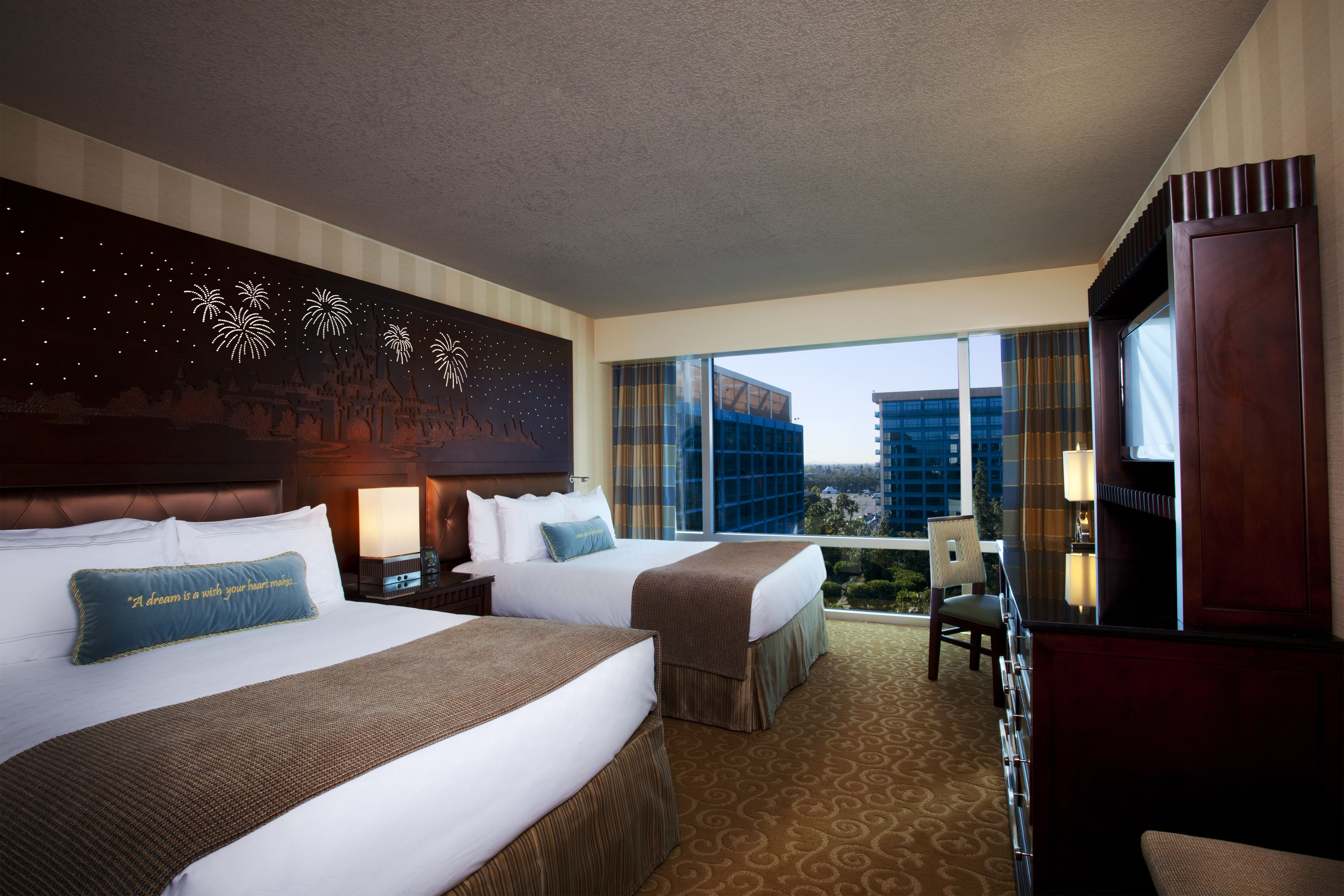 The Disneyland Hotel Guest Rooms At The Disneyland Resort Have