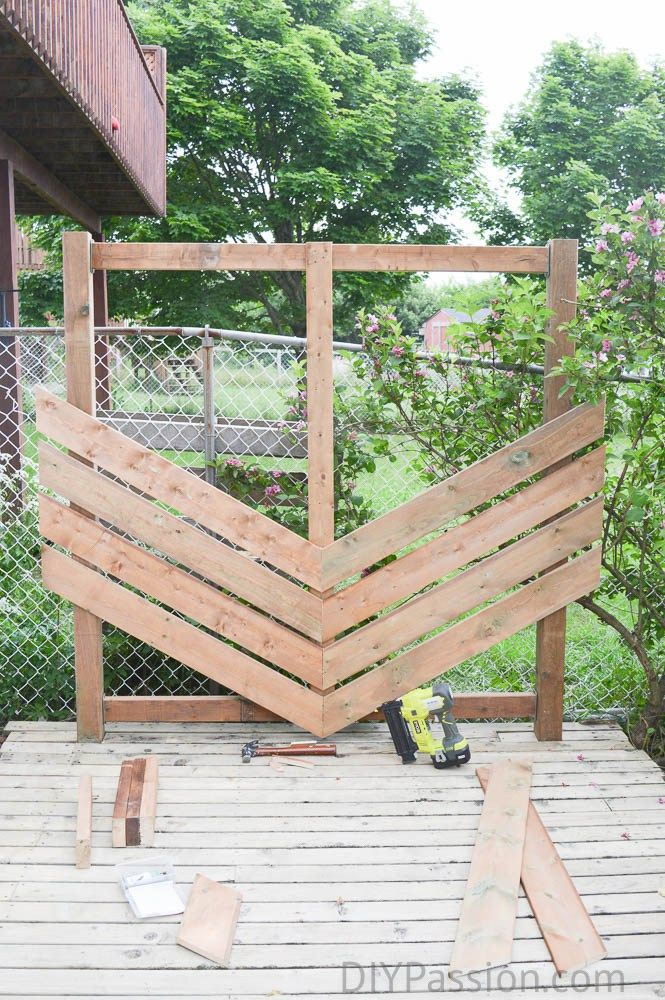 How to build a simple chevron outdoor privacy wall for Outdoor privacy fence screen