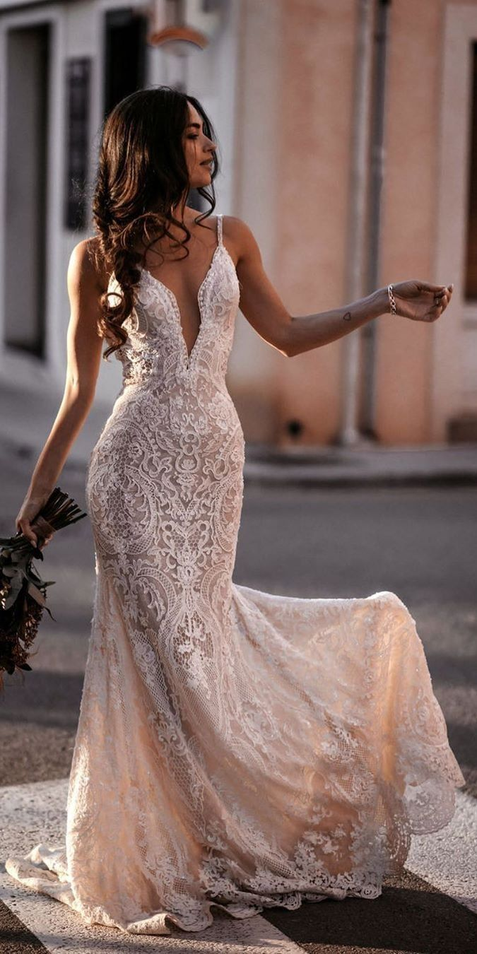 Top 13 Lace Wedding Dresses for 13 in 13  Wedding dress guide