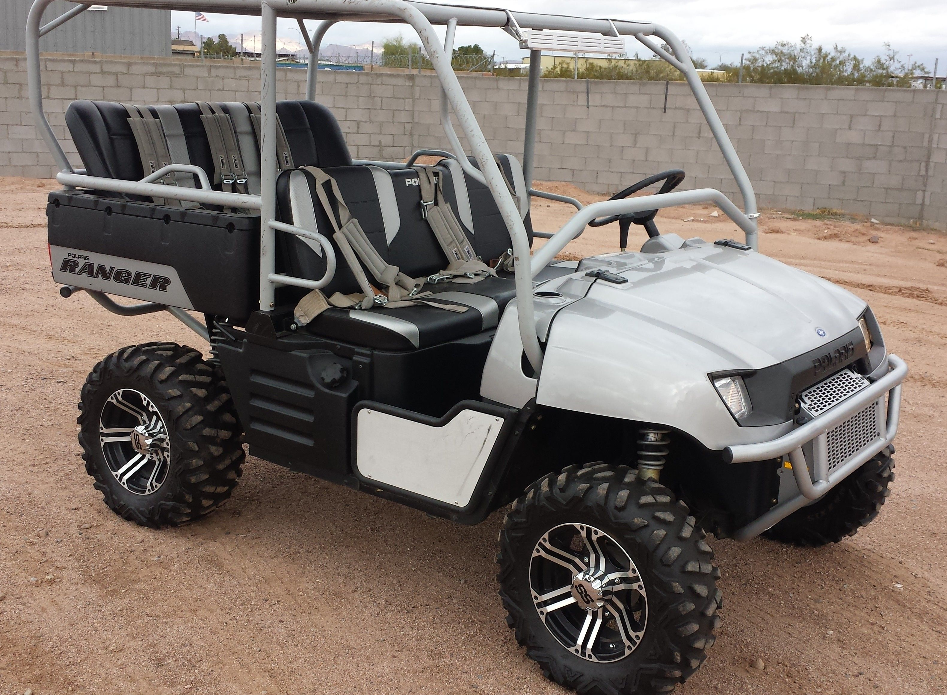 2007 Polaris Ranger 4x4 Full Customized Only 104 Hrs Of Usage Full Roll Over Protection Removable Roof Panels D Ranger 4x4 Polaris Ranger Ranger