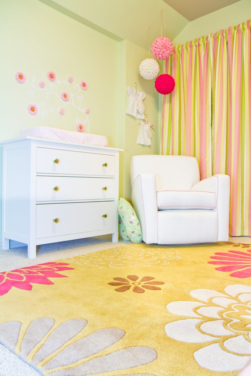 Pink, yellow & green - love the rug! | Nursery Ideas | Pinterest ...