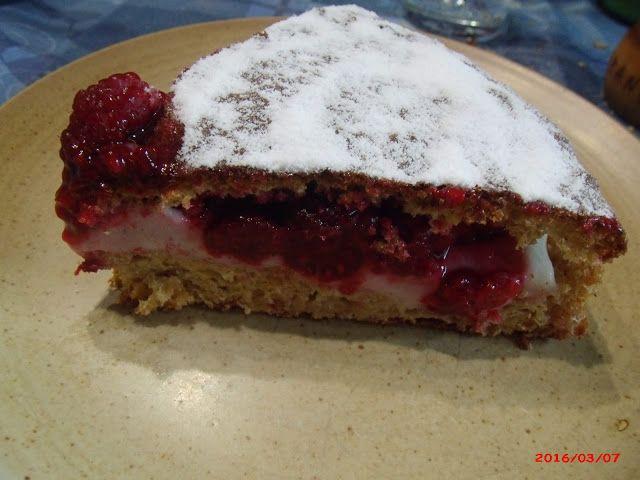 saze66cuisine: Sponge cake, crème pâtissière sans oeuf et framboi...