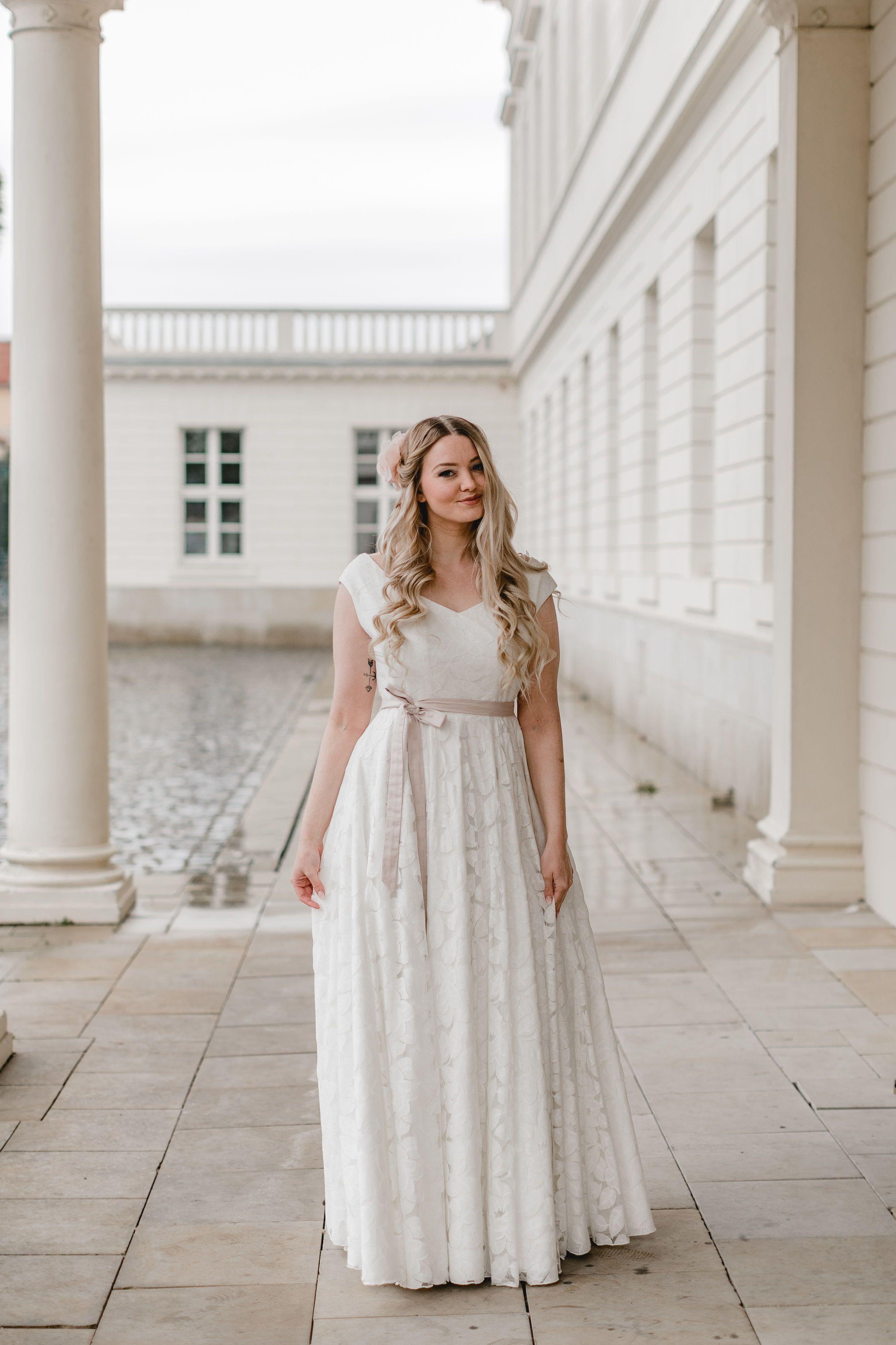 Pin von Teresa Fenke auf Hochzeitskleid  Brautkleid, Kleider