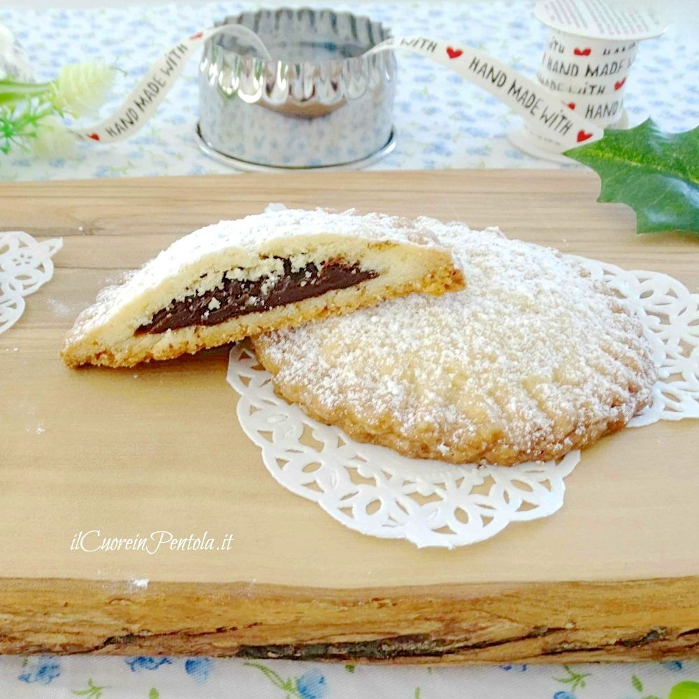 Biscotti di pasta frolla ripieni Ricetta biscotti