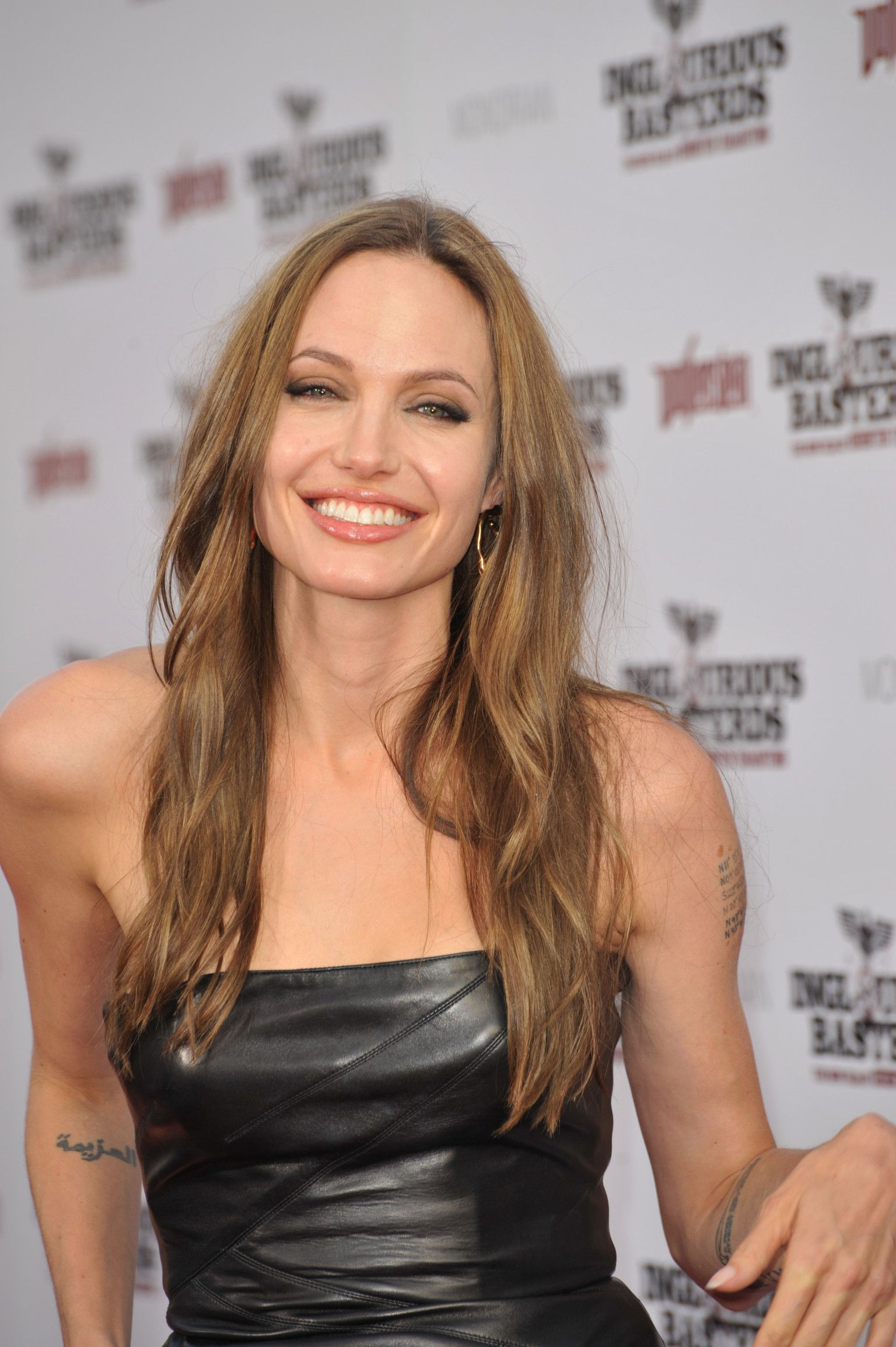Angelina Jolie and Her Skin Care Secrets | SKINCARE in 2019