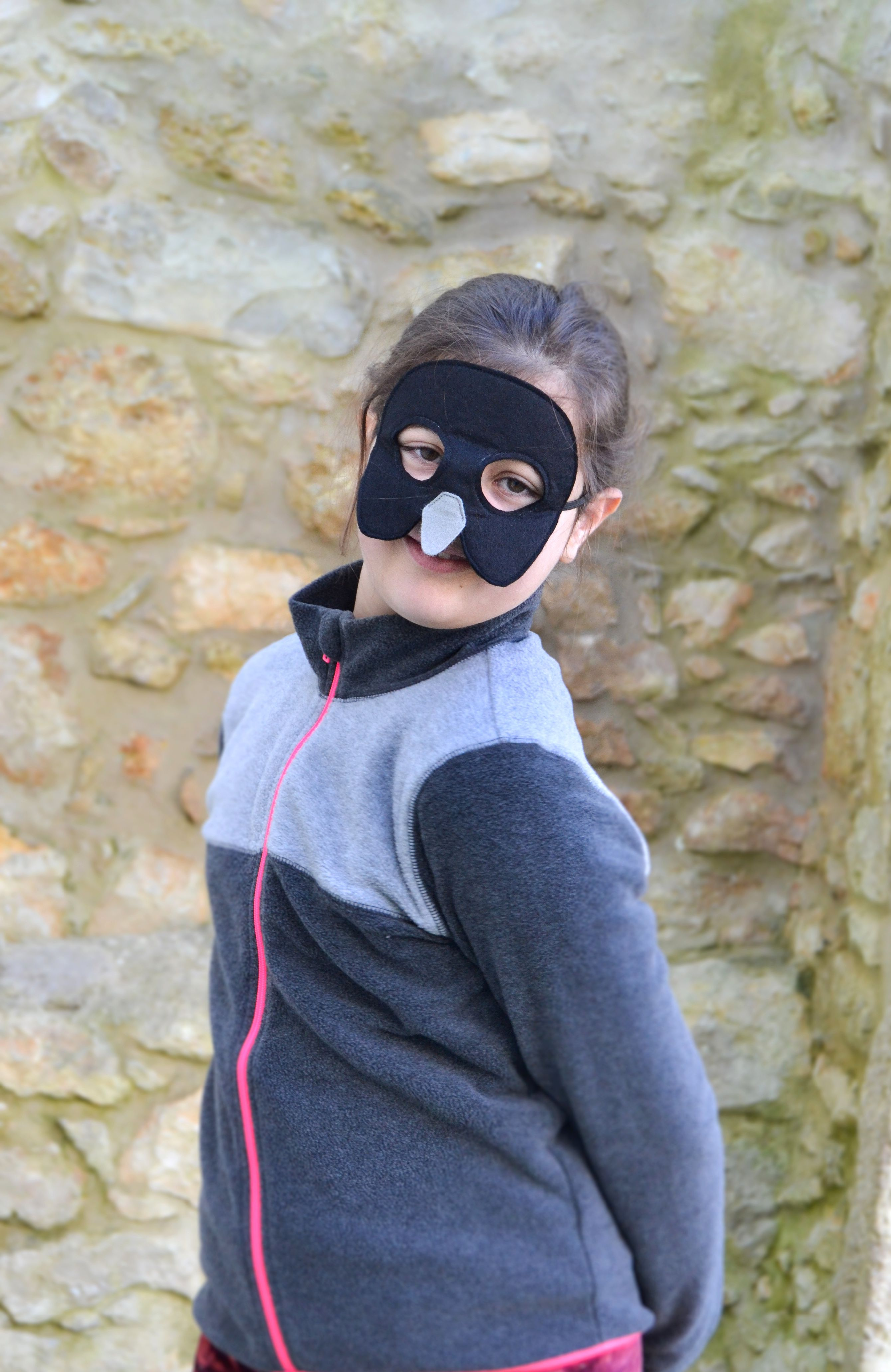 Black crow bird mask for kids. Great for the dress up box ...