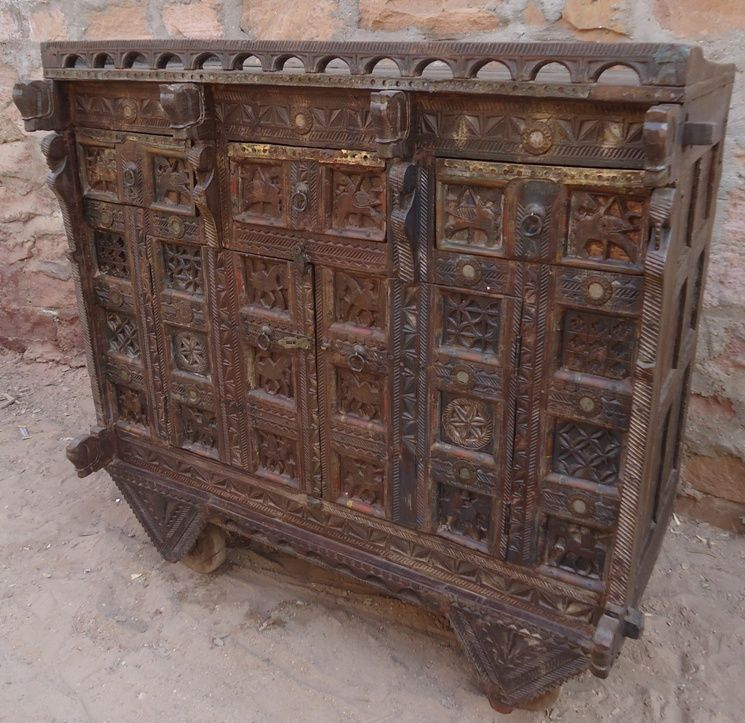 Antique Indian Damchiya With Three Drawer Heritage On Wheels Antique Reproduction Furniture Indian Furniture Antique Chest