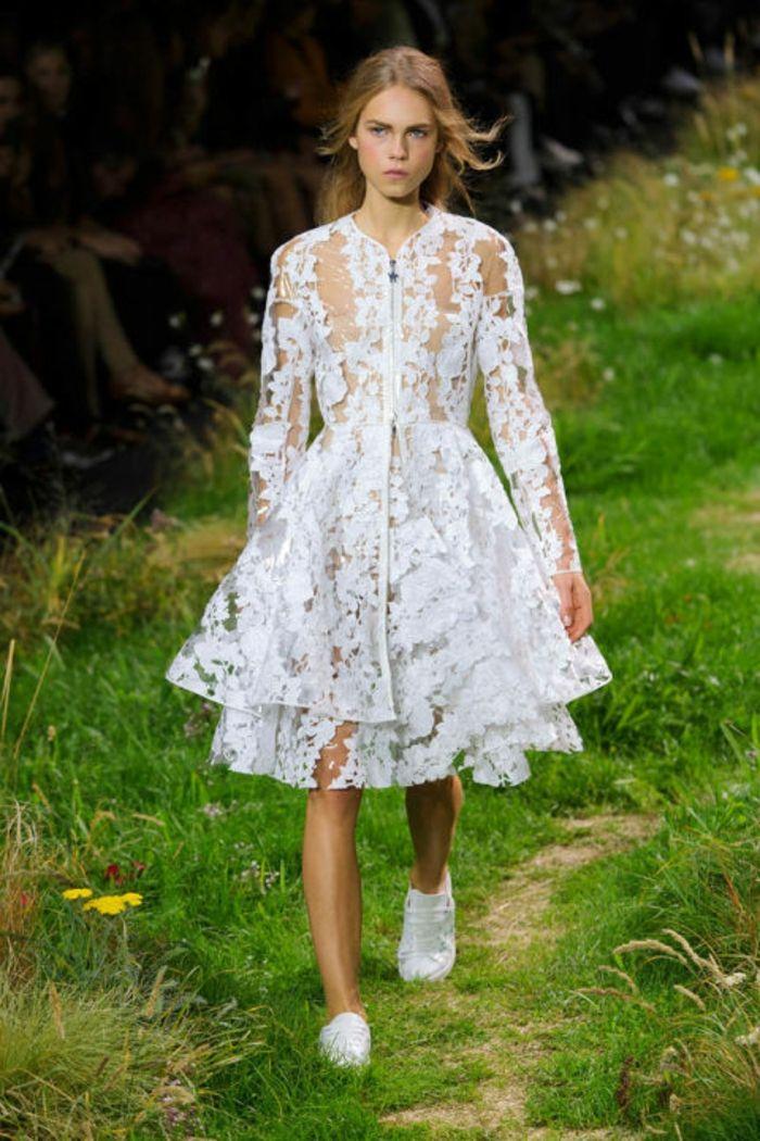 paris fashion week designer hochzeitskleider moncler