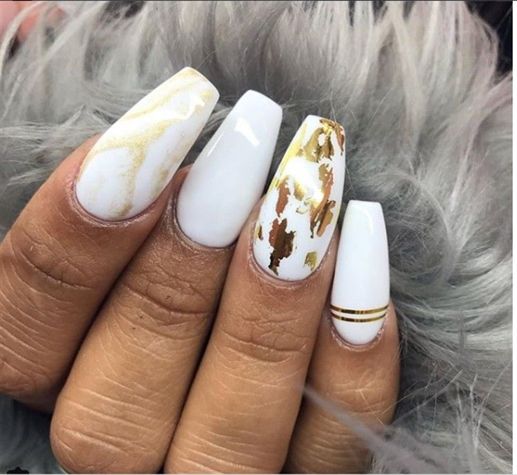 30 Elegant White And Gold Nail Art Designs Trends Nails White Nails With Gold Fancy Nail Art Gold Nails