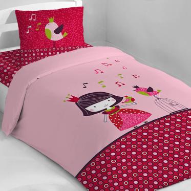une parure de lit pour les filles avec une petite princesse et des petits oiseaux dans les tons. Black Bedroom Furniture Sets. Home Design Ideas