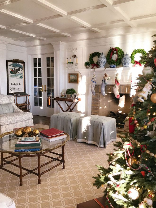 Traditional Home Christmas Decor Ideas with faux Christmas tree