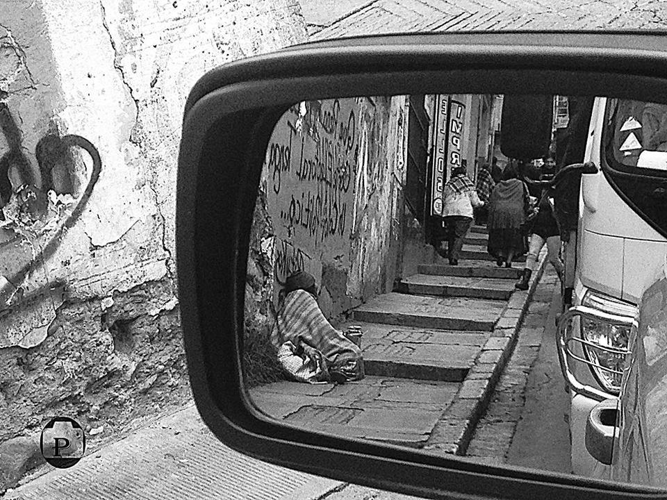 Espejo en blanco y negro