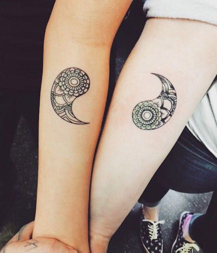 Tattoos für Schwester ein Mandala Symbol auf den Armen von den beiden sehr originell