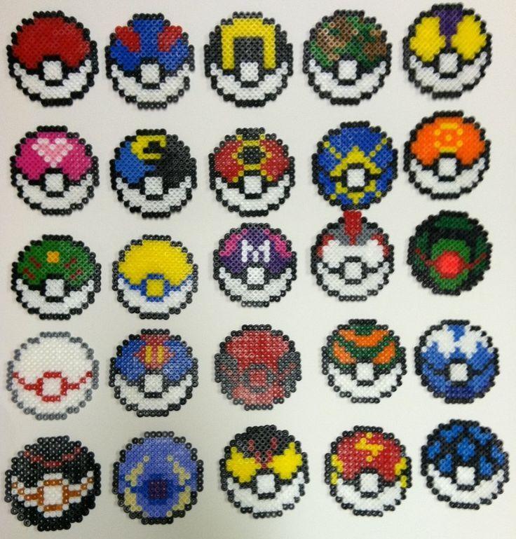 25 Pokeballs Differentes En Perles Hama Pokemon Perle Perles Hama Pokemon Pixel Art Pokeball