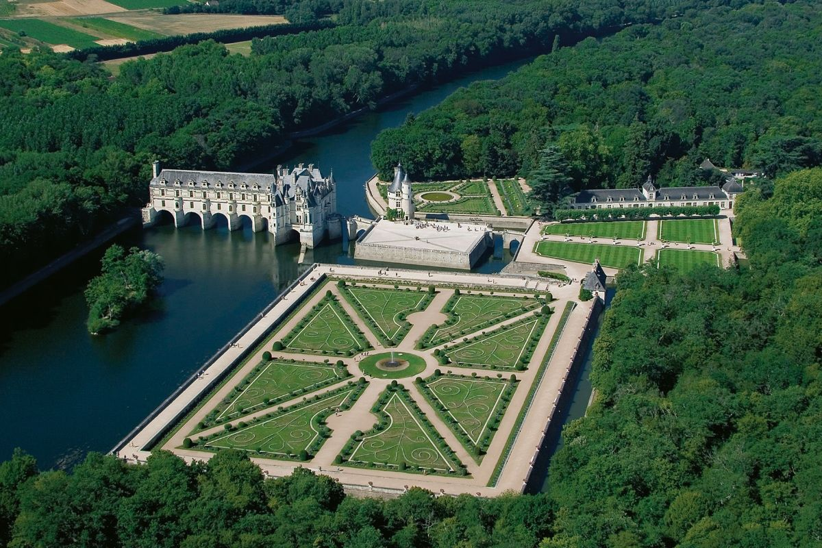 Jardin Classique À La Française jardins à la française, les carrés floraux des châteaux en