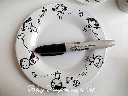 Canecas pintadas com caneta Sharpie. {tutorial}
