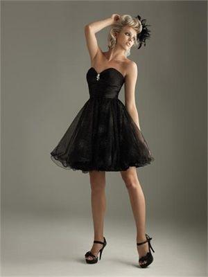 A-line Sweetheart Strapless Black Mini Prom Dress PD1144 www.simpledresses.co.uk £70.0000
