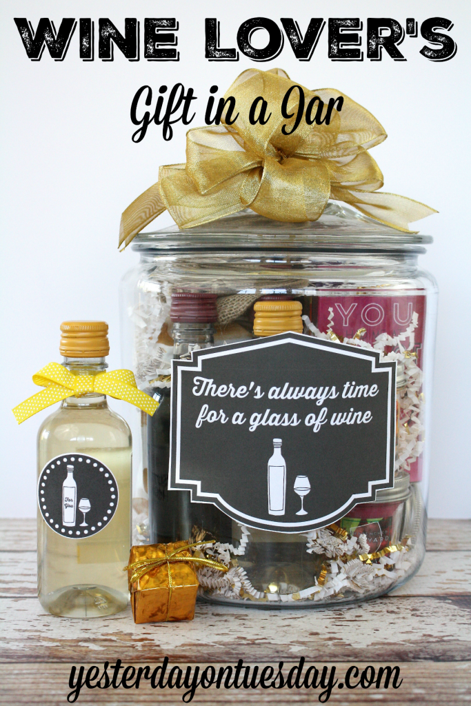 Wine lover 39 s gift in a jar ideas a project and label and for Gift ideas for craft lovers