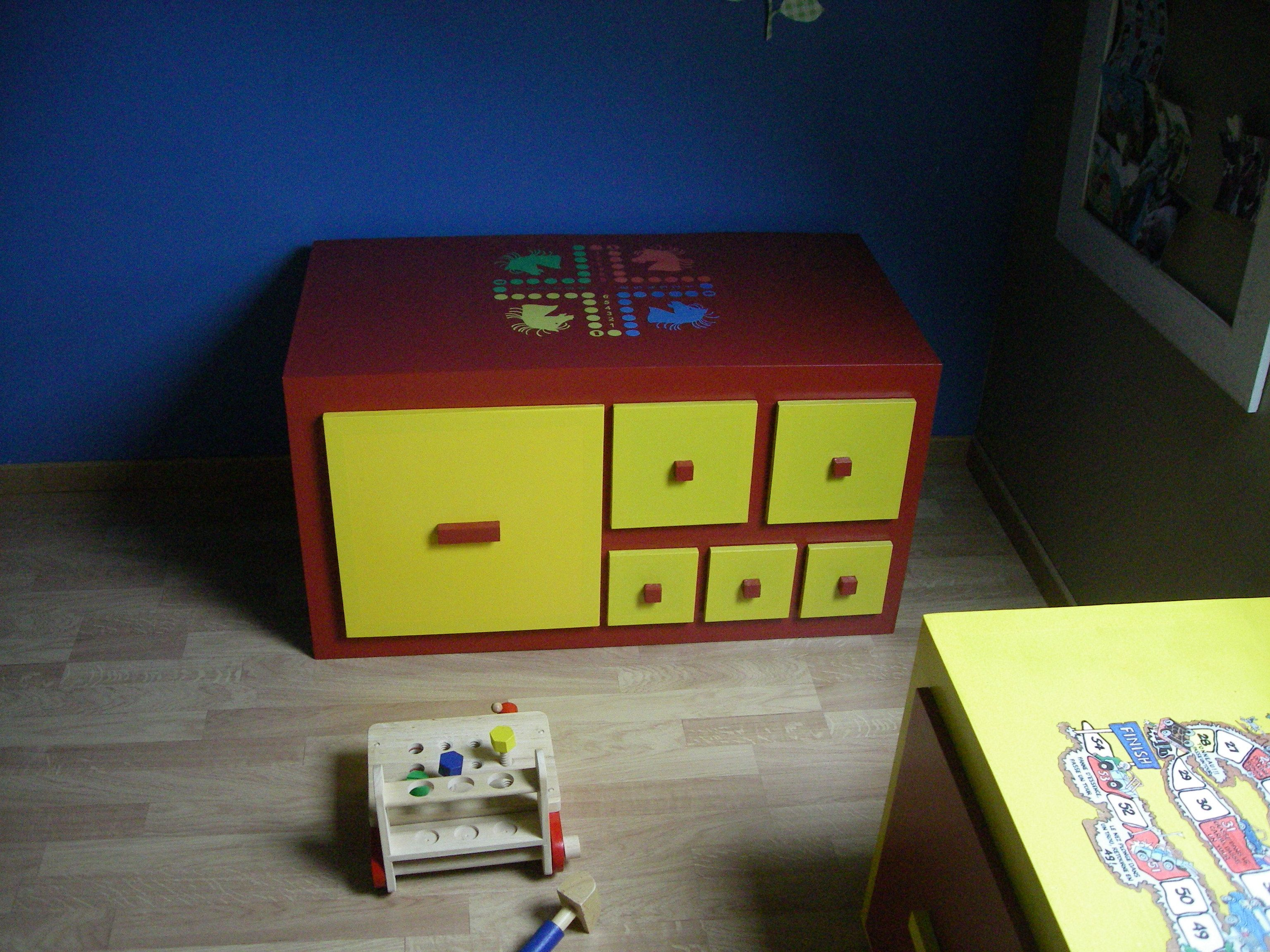 SG Mobilier Carton, rangement de jouets en carton   www.mobilier-carton-sur-mesure.com
