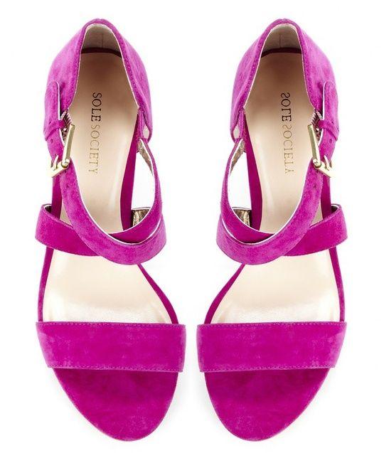 fuschia heels. perfect hot summer color.  6bfdc5906857