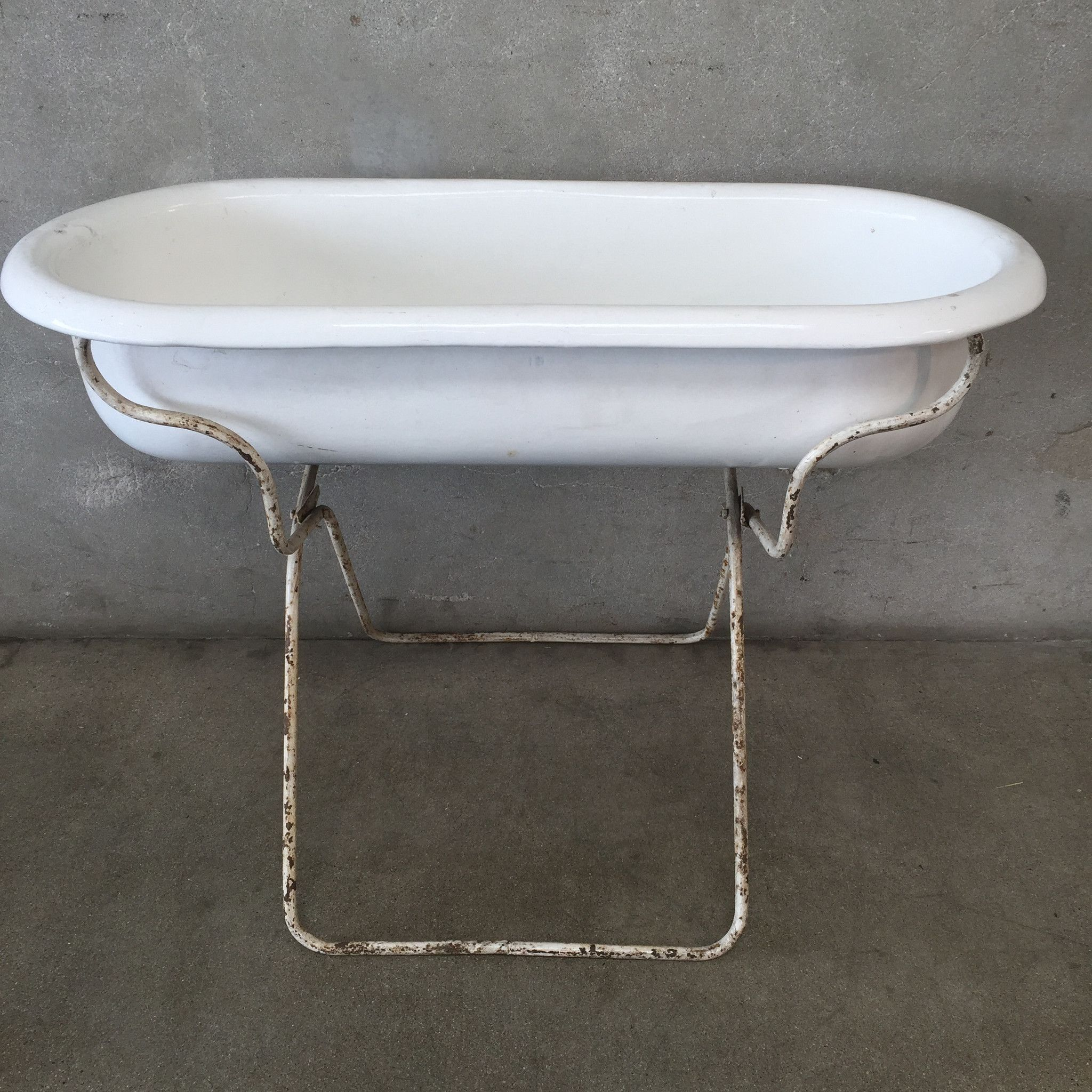 European Baby Bath Tub on Stand 27 1/2\