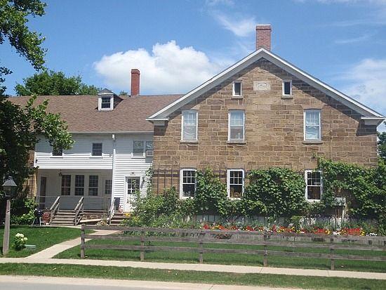 7ffab0467daf40c9d037f4e415ff0fdc - Who Owns The Gardens Of Cedar Rapids