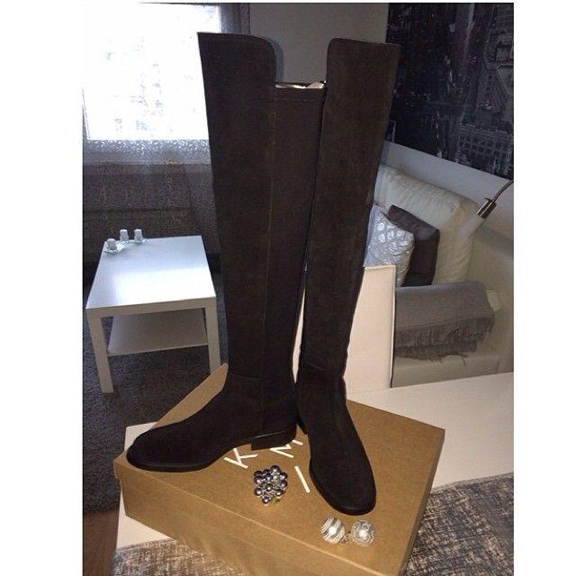 Gracias por la fot!  <3 @arigonzalvez¡Feliz día de Reyes!#reyesmagos#presents#kneeboots#madeforwalking#beatiful#happiness#boots#kmb#style#stylish#presentoftheday#gorgeous#loveit#nofilter#fashion#fashiongirl#inspires#christmas