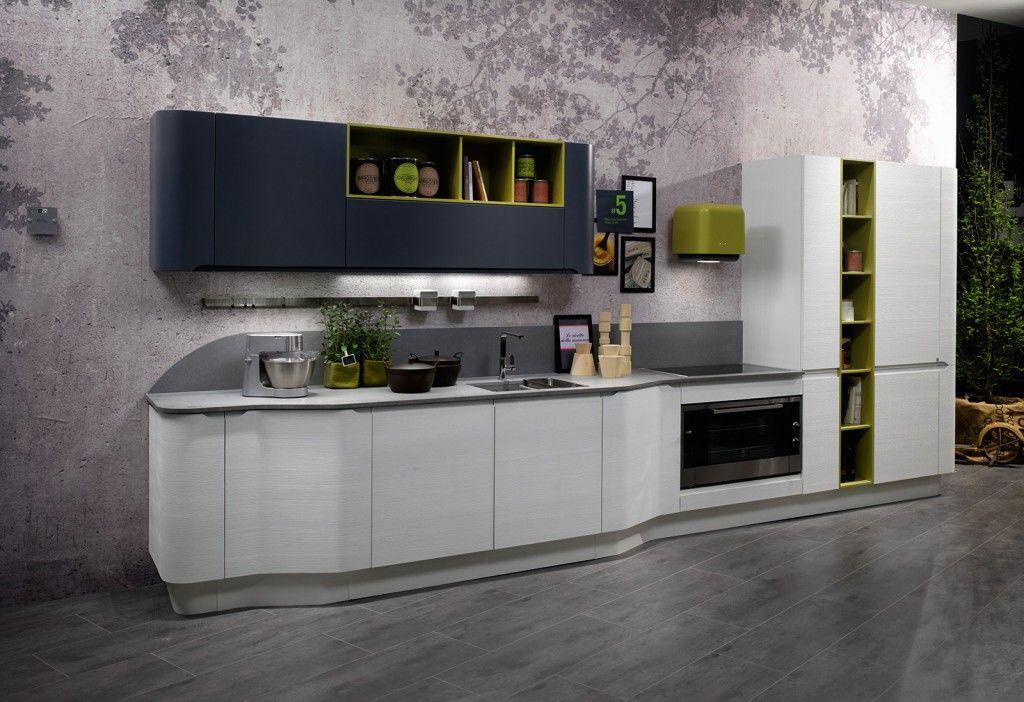 Design morbido per la cucina lineare Bring di Stosa caratterizzata ...