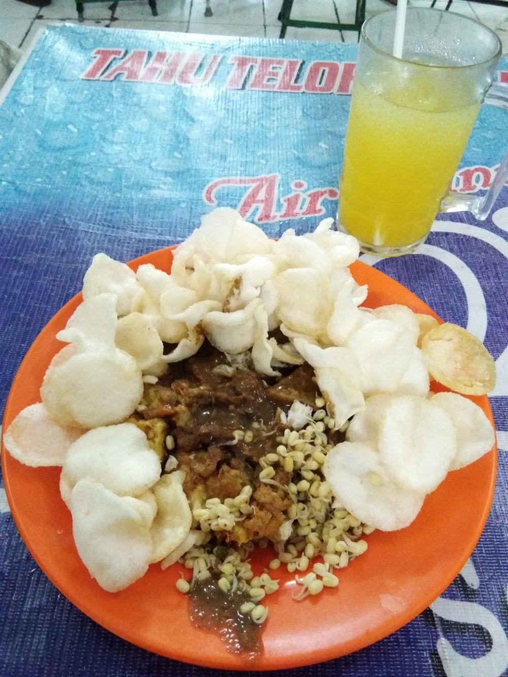 Tahu Tek Pak Jayen : jayen, Telor, Jayen, Makanan, Enak,, Makanan,, Surabaya