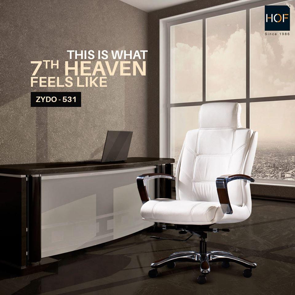 Ultraluxurious chair that feels like heaven!