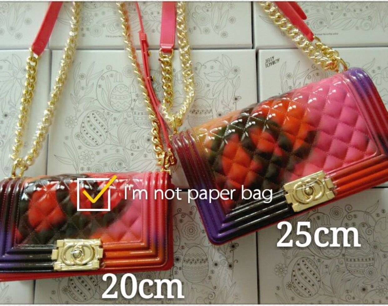 70299cce7765 Jelly toyboy limited edition in gold Jelly, Chanel Boy Bag, Handbags,  Shoulder Bag