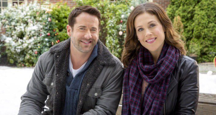 "WCTH Hearties on Twitter: ""1 month until #FindingFatherChristmas  @erinkrakow @niallmatter #Hearties https://t.co/iaZ5dYTMIa"""