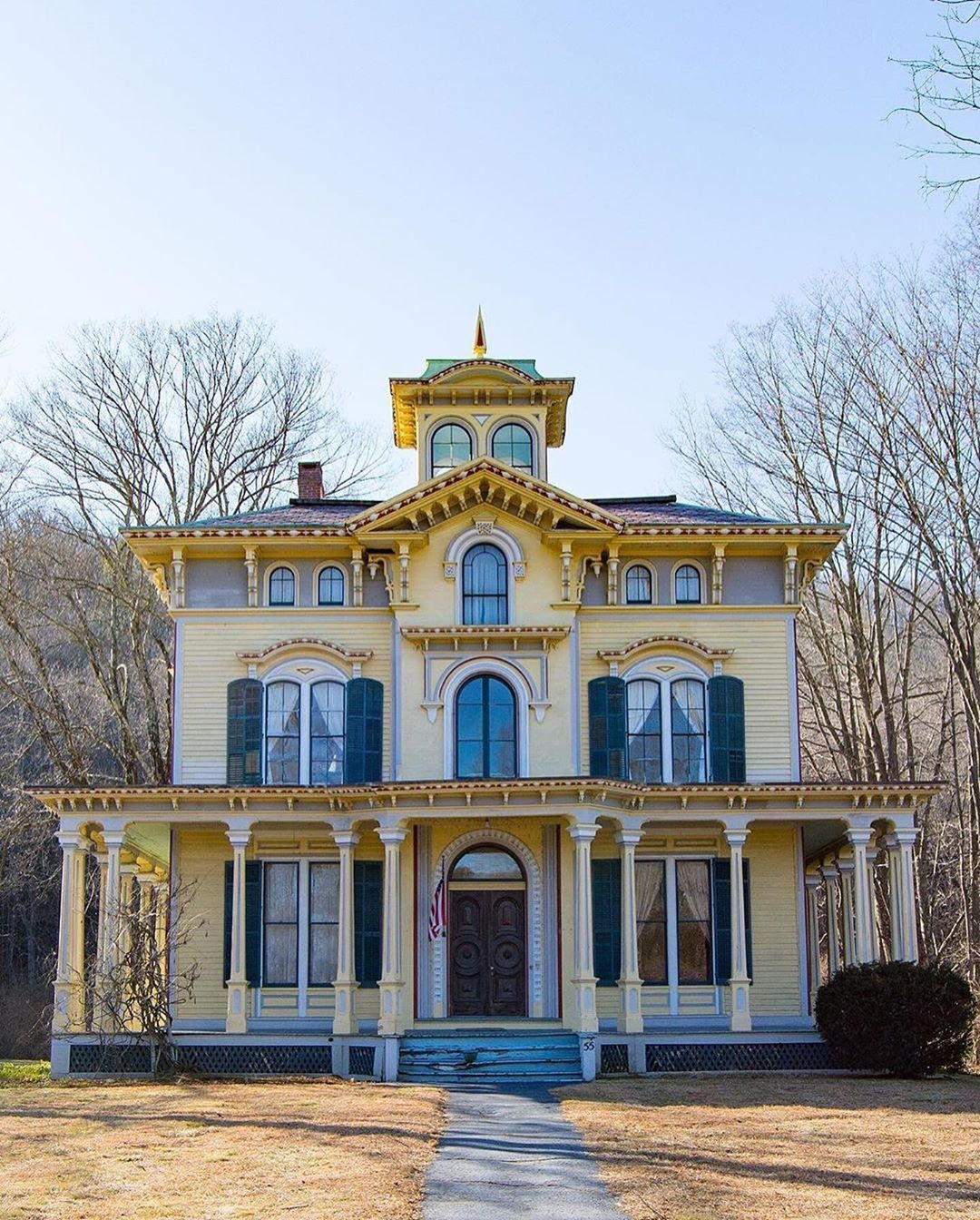 3 498 Likes 43 Comments Archi Ologie On Instagram No Name Thursday Feature Make Sure You Swipe To In 2020 Pastel House Victorian Homes Vintage Style Decorating