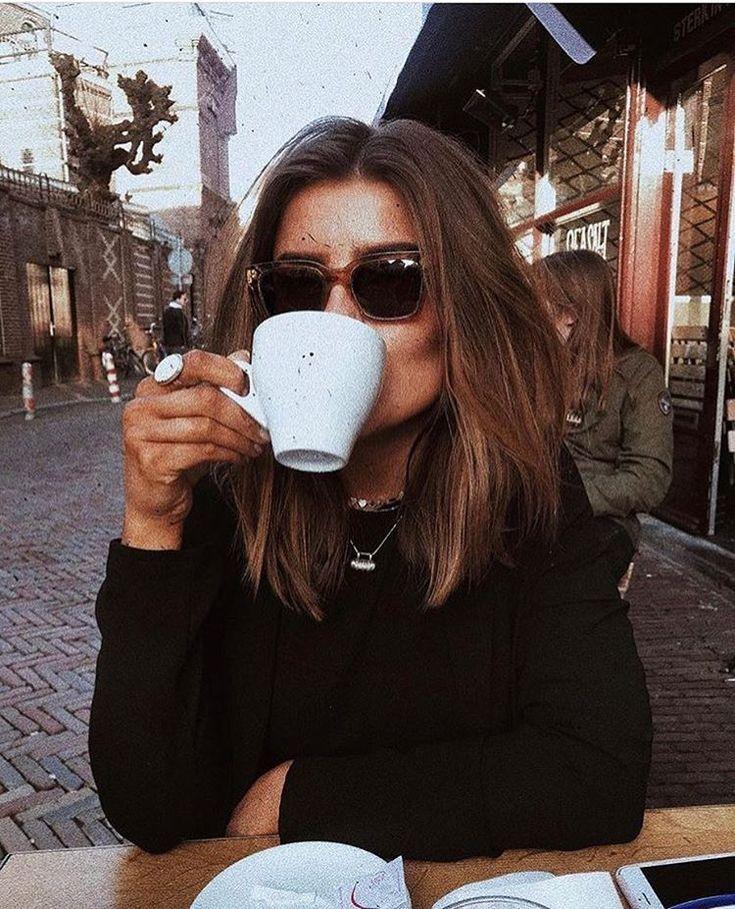 Sie liebt den Geruch von Kaffee, blühenden Rosen und neuen Anfängen. #espressocoffee