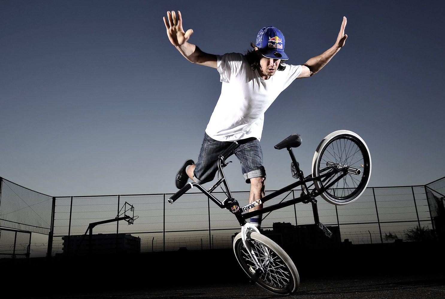 Crazy Bmx Trick Freestyle Wallpaper High Defin 8756 Wallpaper High Resolution Wallarthd Com Bmx Bikes Bmx Freestyle Bmx